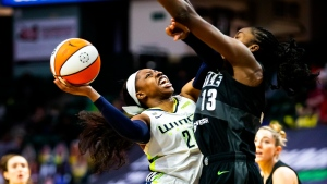Ogunbowale's last-second three lifts Wings over Storm