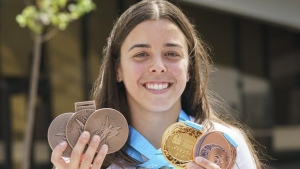 Benfeito gets new Olympic medals to replace three lost in condominium fire