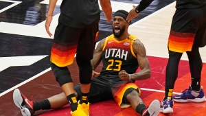 Mitchell, Jazz stifle Clippers late to take 2-0 lead