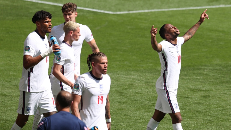 Sterling leads England past Croatia at EURO 2020