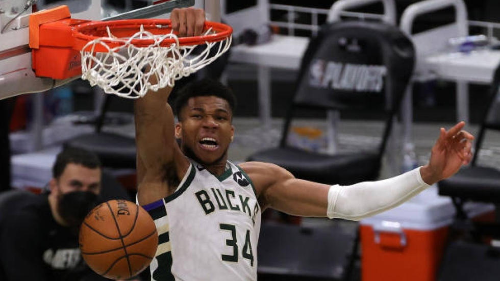 Bucks tie series with Game 4 win as Nets lose Irving