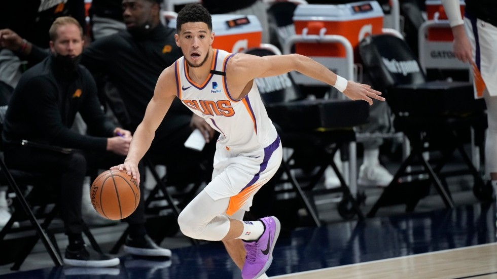 Jokic tossed as Suns sweep Nuggets, advance to Conference Finals