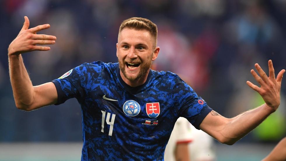 Slovakia too much for 10-man Poland