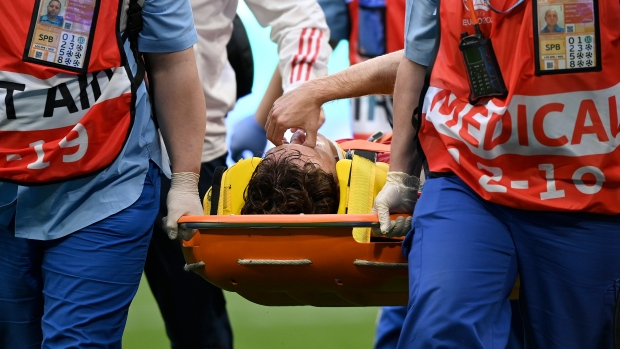 Russia player Fernandes hospitalized after fall at Euro 2020