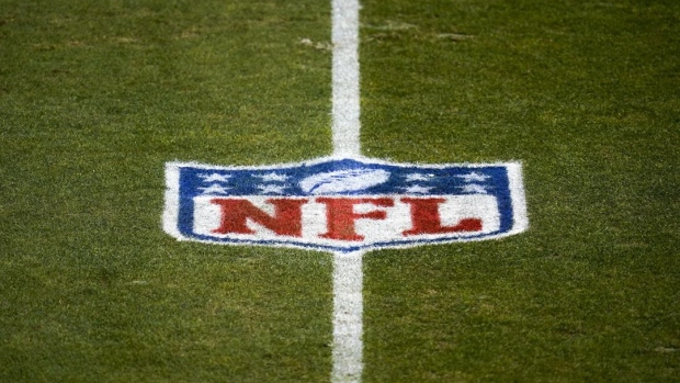 NFL medical officer: High vaccination rates 'unique opportunity' for national model