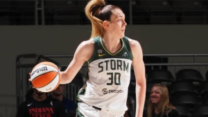 Stewart helps Seattle win 5th straight, over Indiana