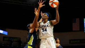Fowles' 170th career double-double leads Lynx past Wings