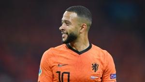 Barcelona signs Netherlands striker Memphis Depay