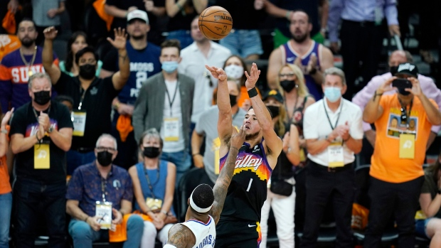Booker stars as Suns beat Clippers in Game 1