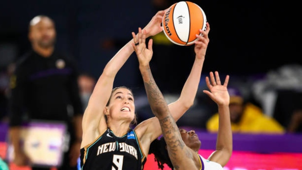 Liberty hold on to beat Sparks in WNBA celebratory matchup
