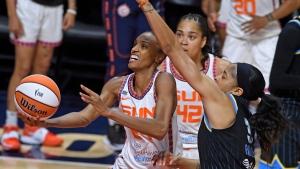 Bonner, Sun beat Sky, end Chicago's 7-game win streak