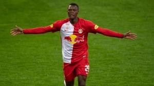 Leicester signs Austrian league top scorer Daka