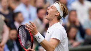 Djokovic beats Shapovalov in straight sets, advances to Wimbledon final