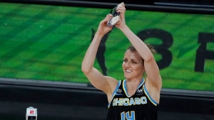Sky's Quigley wins third career three-point contest
