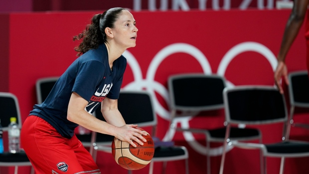 Bird sees no hypocrisy in WNBA players staying on court for anthem at Olympics