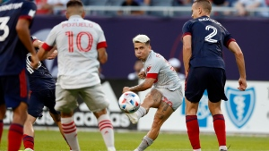 Bono comes up big as Toronto FC holds on to beat Fire