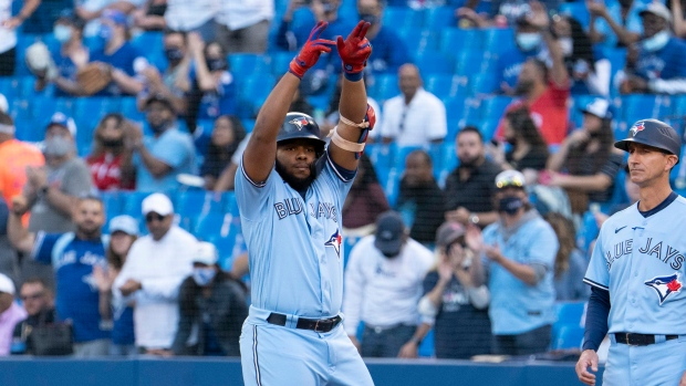 Blue Jays celebrate return home with win over Royals