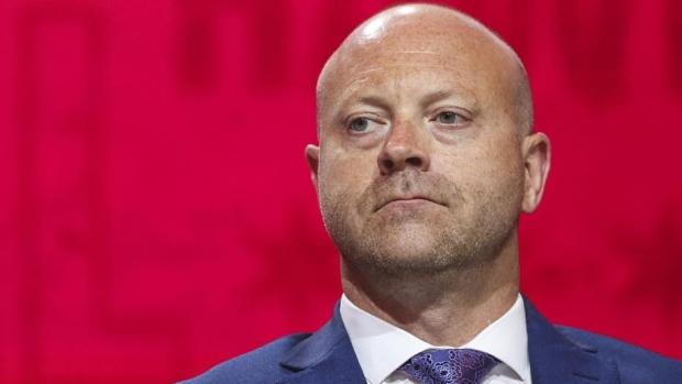 Blackhawks GM Bowman steps down in wake of investigation