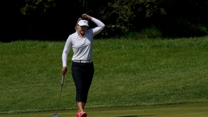 Canada's Henderson bounces back in second round