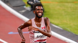 Ahmed claims silver in men's 5000m final