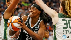 Fowles' huge game leads Lynx past Storm