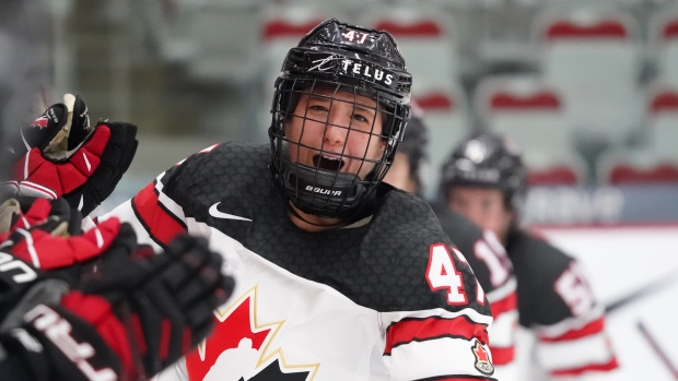 Rattray shines as Canada overpowers U.S. at Women's Worlds