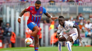 Depay leads Barcelona to victory over Getafe