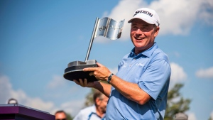 Durant holds off Langer in The Ally Challenge