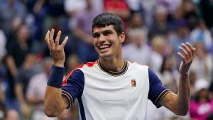 Alcaraz ousts Tsitsipas at US Open