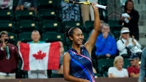 Fernandez victorious in 1st match since U.S. Open