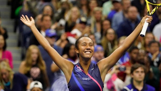 Canada's Fernandez stuns Osaka to reach US Open 4th round