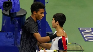 Auger-Aliassime wins after Alcaraz retires with injury