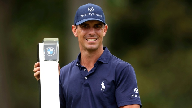 Horschel wins at Wentworth; Toms takes playoff in St. Louis