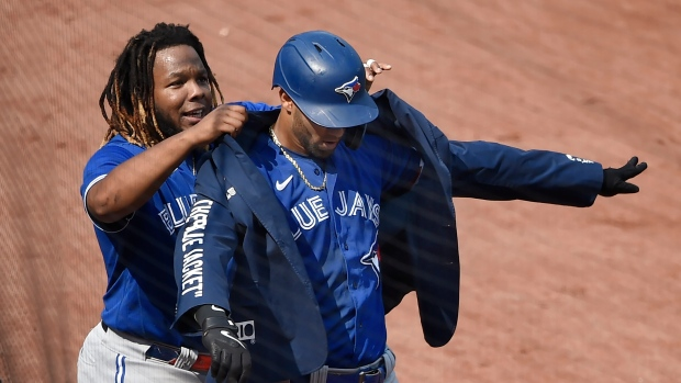 Monday with Mitchell: Red-hot bats helping swing Jays' playoff chances