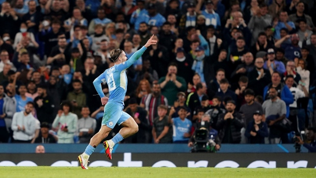 Grealish nets on CL debut in City's wild win vs. Leipzig