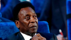 Pelé takes 'a little step back' in recovery from surgery