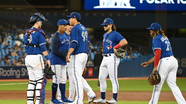 Phillips on the Jays' Wild Card race, Ryu on the IL and more
