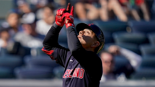 Sánchez error leads to seven run inning, Cleveland slows Yankees