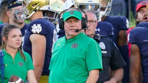 Kelly ties Rockne for most coaching wins in Notre Dame football history