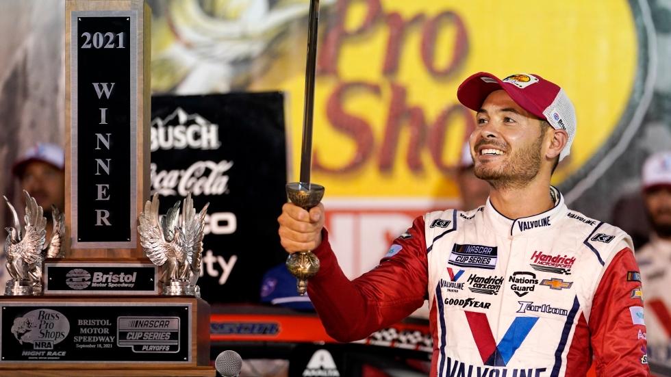 Harvick, Elliott exchange overshadows Larson's win