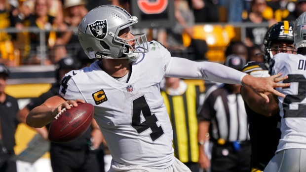 Carr powers Raiders past Steelers
