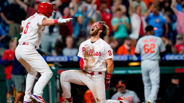 Realmuto's two-run triple in 10th leads Phillies past O's