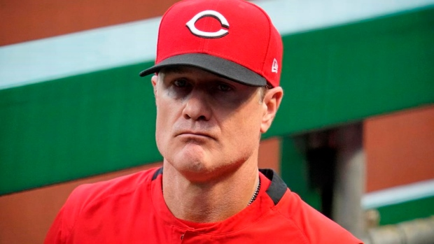 Reds manager Bell agrees to 2-year extension