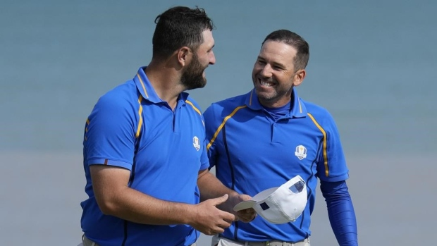 Spanish Armada putts its way to an early Ryder Cup point