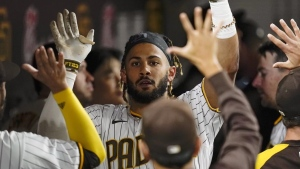 Tatis' home run lifts Padres over Braves in suspended game
