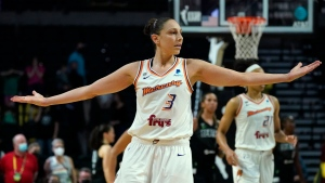 Mercury's Taurasi says she was unaware she pushed an official during WNBA Finals scuffle