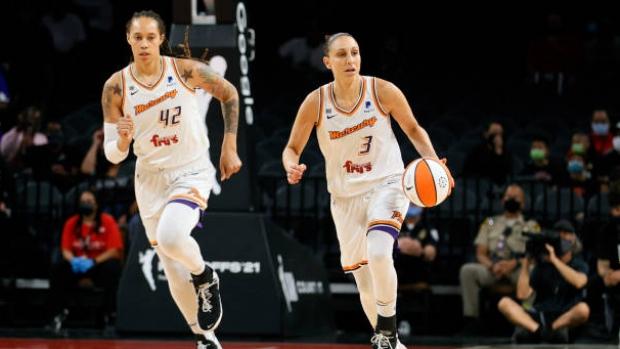 Battle of the underdogs: Mercury, Sky clash in WNBA Finals