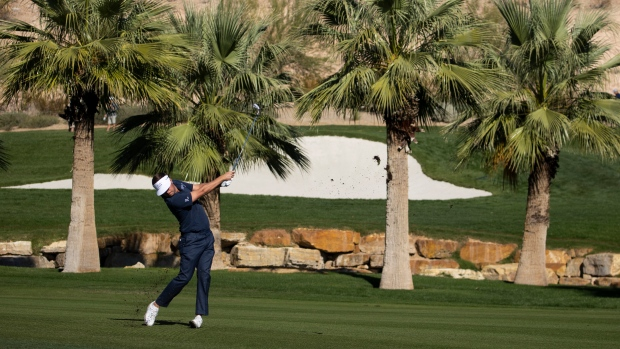 Mitchell builds five-shot lead at CJ Cup; Hughes seven back after 62