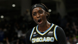 Sky one win away from first WNBA title after Game 3 rout of Mercury