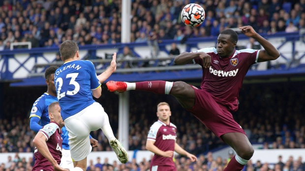 West Ham's Moyes 'annoyed' at narrow win over Everton